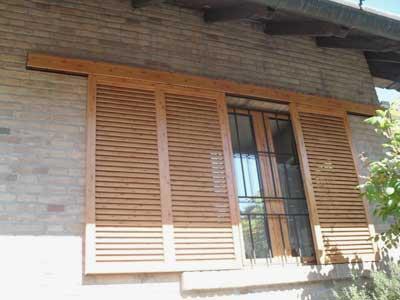 Persiane scorrevoli in legno a Lecco