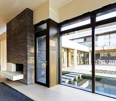 Foto di infissi di design casa a Milano