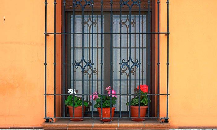 finestra blindata e grata di sicurezza
