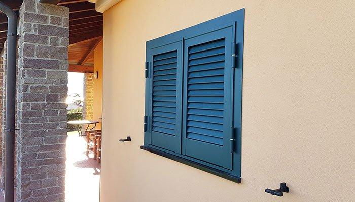 installazione serramento con persiana blindata