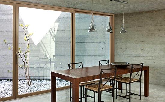 Serramenti in alluminio e legno nuovi in stile minimal installati a Castel San Pietro Terme