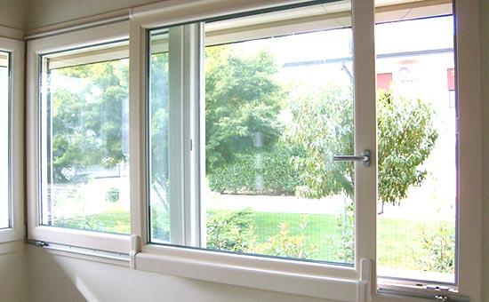 Infissi in pvc su misura per porte finestre antisfondamento installati a Casalecchio di Reno