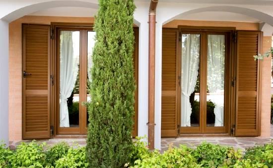 Persiane in alluminio di design installate in una casa a Salsomaggiore Terme
