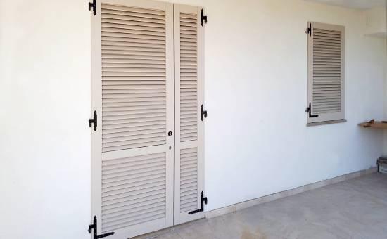 Persiane antieffrazione in alluminio in un appartamento a Fiorenzuola d'Arda
