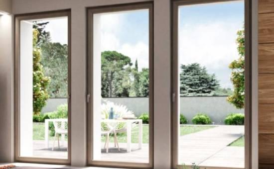 Finestre in legno alluminio di design con profilo molto sottile